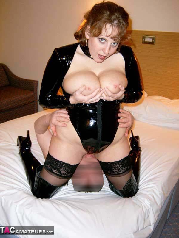 Leather cum mistress on