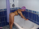 Fran4Fun. Bathroom Free Pic 1