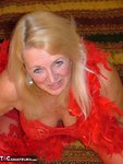 Adonna. Luscious lady in red Free Pic 3