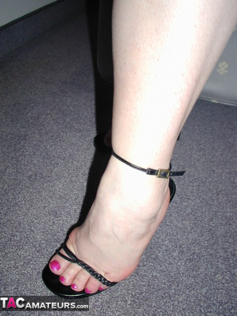 bare feet shoes & breast cancer jpg 1080x810