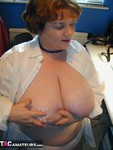 Chris44G. Webcamming With... 1 Free Pic
