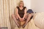 SpeedyBee. New Gold Dress & Shoes Free Pic 5