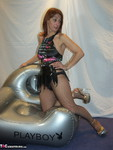 Jolanda. Inflatable Chair Free Pic 2