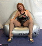 Jolanda. Inflatable Chair Free Pic 7