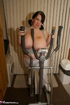 Sam32k. Cross Trainer Free Pic