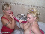 Barby. Barby & Raz's Bathroom Fun Free Pic