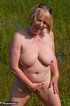 SpeedyBee. Playing In The Lake Free Pic 17