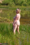 SpeedyBee. Playing In The Lake Free Pic 18
