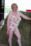 SpeedyBee. Down On The Farm Free Pic 3