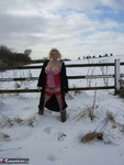 Barby. Snow Fun Free Pic 2