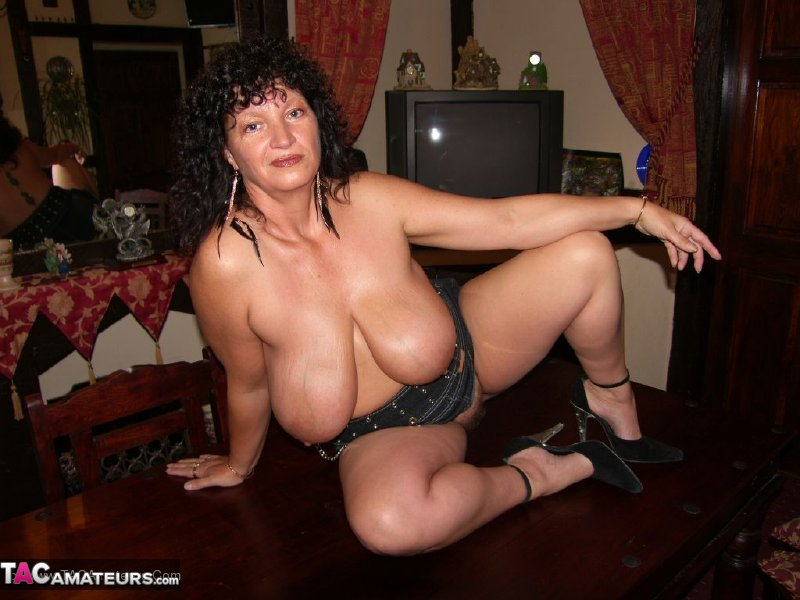 downloadable milf porn Download MILF porn videos -  All models showed on the pictures and videos were at least 18 years old on realisation time.