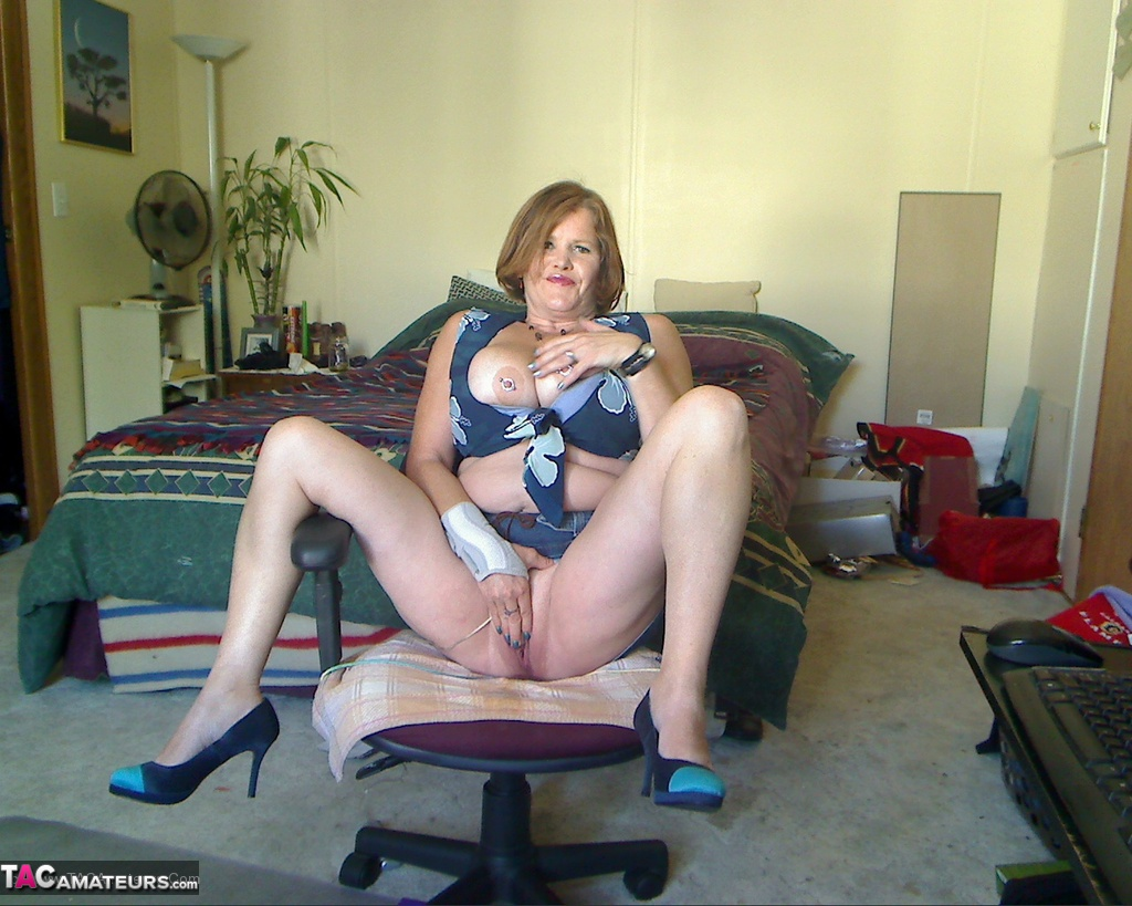 Private Nude Wife Pics