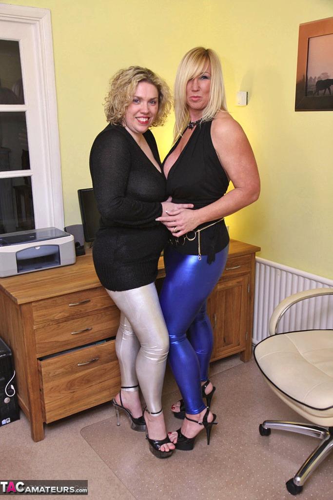 British milf sarah beattie gives a nasty blowjob - 3 part 4