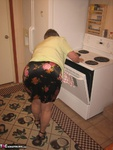 Girdle Goddess. Hot In The Kitchen Free Pic 2