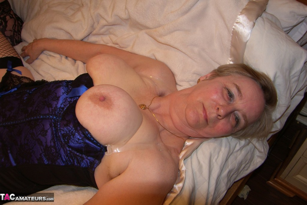 A mature mom delights a junior bbc - 1 part 6