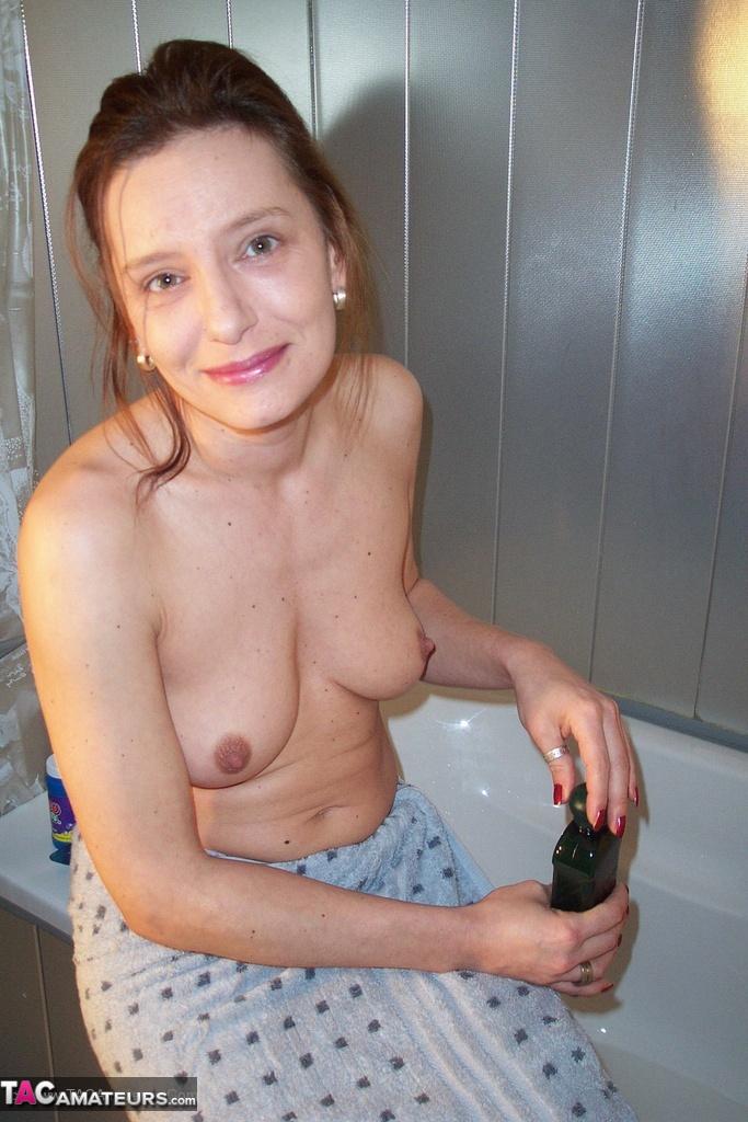 seins amatrice salle de bains