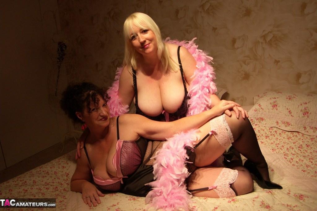 Hot babes orgy