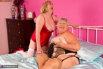 SpeedyBee. Speedy & Libby Playing On The Bed Pt1 Free Pic 8