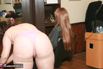 Reba. Wendy's Salon Haircut Gets Wicked Free Pic 1