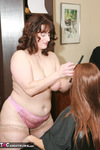 Reba. Wendy's Salon Haircut Gets Wicked Free Pic 2