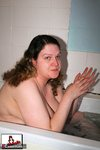 Cockoholic. Bathtime Fun Free Pic 3
