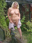 Barby. Barby's Summer Fun Free Pic 9
