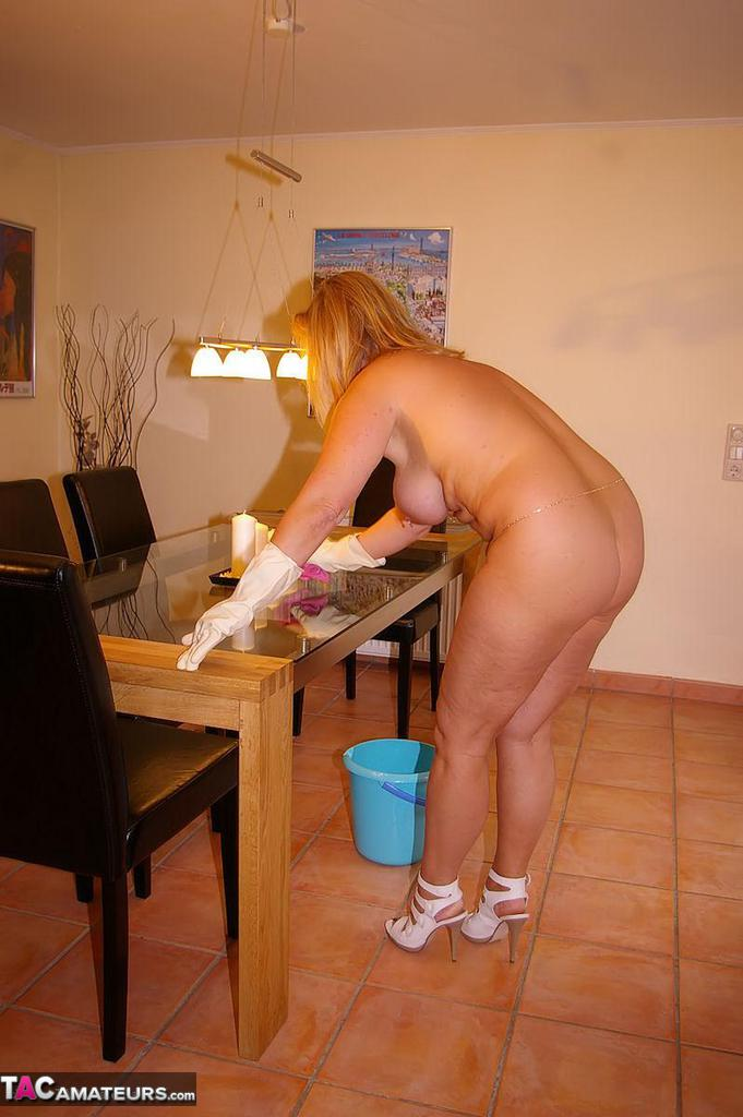 Nude housework pictures, beach sex in movies