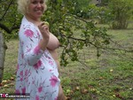 Barby. Barby Apple Picking Free Pic 16