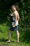 DeniseDavies. Denise Out Side Pt2 Free Pic