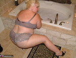 TaffySpanx. Bubble Bath Time Free Pic 7