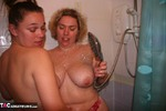 Barby. Barby & Mel In The Shower Free Pic 3