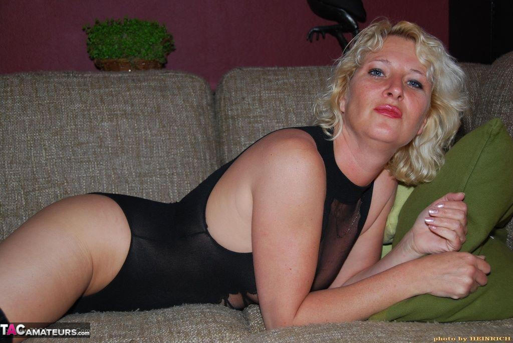 housewife milf