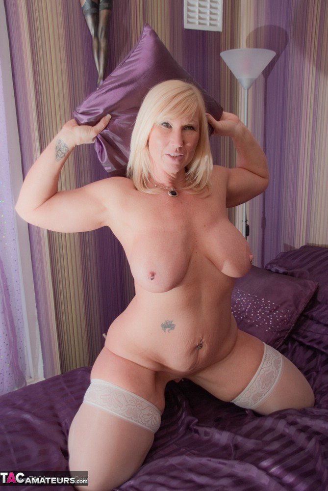 Curvy milf can handle two black dicks at the same time 7