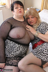 Jenny4Fun. Jenny & Double Dee In The Bedroom Free Pic 3