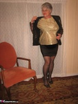 Girdle Goddess. Glittering In Gold Free Pic 4