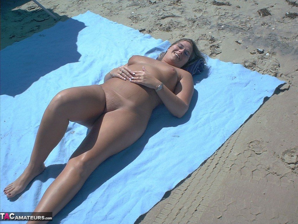 Gangbangmomma-Nude Beach Orgy Pictures-6513