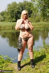Melody. Camo By The Lake Free Pic 6