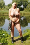 Melody. Camo By The Lake Free Pic 12