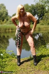 Melody. Camo By The Lake Free Pic 18