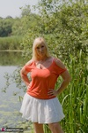 Melody. Peach By The Lake Free Pic 1