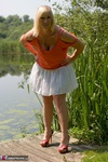 Melody. Peach By The Lake Free Pic 2