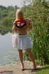 Melody. Peach By The Lake Free Pic 5