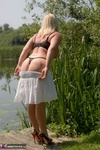Melody. Peach By The Lake Free Pic 8