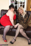 Jenny4Fun. Jenny & Double Dee On The Sofa Free Pic 1