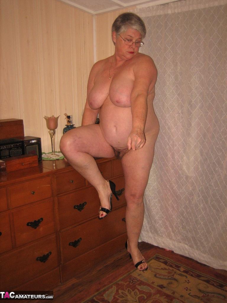 Lisa edelstein nude fake clips