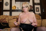 SpeedyBee. Head Mistress Speedy Free Pic 9