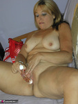 Liisa. Taking Things In Hand Free Pic 10