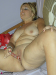 Liisa. Taking Things In Hand Free Pic 20