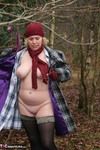 Barby. Barby's Winter Woodland Walk Free Pic 9