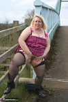 LexieCummings. Lexi On The Bridge Free Pic 11